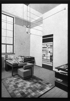 3_bauhaus-buro-des-direktors-walter-gropius-1923-web.jpg