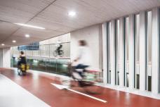 3_fahrradparkhaus_am_bahnhof_utrecht_foto_ector_hoogstad_architekten_-_petra_appelhof.jpg