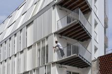 06_dfa_boureau_balcony.jpg