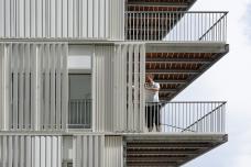 07_dfa_boureau_balcony.jpg