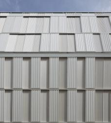 09_dfa_boureau_closed_facade_kopie.jpg
