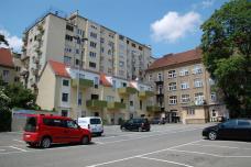 05_balkonien_am_parkplatz.jpg