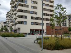 bild_3_boulevard_und_geschaefte_in_eg-zone_.jpg