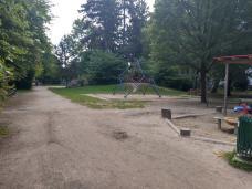 bild_4_august_mathey-park_spielplatz.jpg