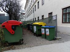 bild_8_offener_muellplatz_studentenheim_altbau_.jpg