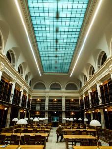 2_bibliothek.jpg