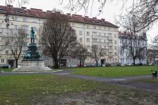 ii.-tegetthoffplatz.jpg
