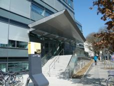 chemieinstitut uni graz außen eingang