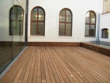 chemieinstitut uni graz terrassen im hof