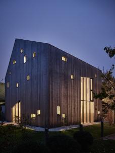 michael_shamiyeh_pure_wood_house_bild_kurt_hoerbst.jpg