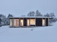 wohnhaus_rundherum_in_waxenberg_von_mia2_architektur_bild-_kurt_horbst.png