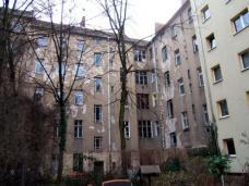 Pintschstrasse 5, Berlin-Friedrichshain. genowo eG, Architekt Michael Hess, Hofansicht vor Sanierung, Foto: genowo eG