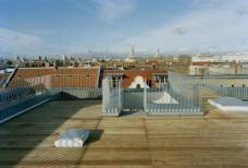K20: Kreutzigerstraße 20, Berlin-Friedrichshain, Architekten roedig.schop Berlin. Dachterrasse, Foto: roedig + schop