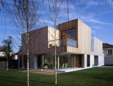 Bevk Perovic Arhitekti: Residenz des Niederländischen Botschafters, Ljubljana, 2002/2003. Architekten: Matija Bevk, Vasa J. Perovic, Blaz Kandus. Foto: B. Zupan