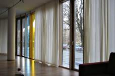 Beginenhof Berlin-Kreuzberg, Gemeinschaftsraum mit Vorgarten-Terrasse am Erkelenzdamm, Planung: PPL-Barbara Brankenhoff, Foto: karin wallmüller
