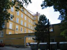 Wohnheim B.R.O.T. Wien-Kalksburg. Ehemaliger Jesuiten-Patrestrakt: Umbau+Sanierung, Architekt Franz Kuzmich. Foto: Büro Kuzmich
