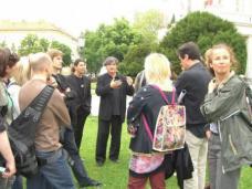 Arch. DI Michae Szyszkowitz erläutert wie sein Plan für die Überbauung des Thalia-Kinos doch nicht umgesetzt wurde.