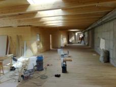 Blick ins Foyer der Volksschule mit Pausenhalle. Foto: Feyferlik/Fritzer.