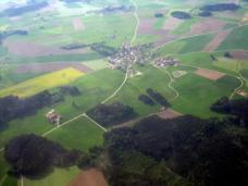 im Vergleich dazu: Luftaufnahme Bayern, Deutschland, Foto: E.mil