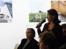 v.l.: Dr. Barbara Fellner (Historikerin, Sprecherin d. Plattform für Architekturpolitik und Baukultur) Landtagsabgeordnete Edith Zitz, DI Markus Bogensberger (HDA Vorstandsmitglied). Foto: M. Brischnik