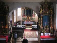 Das Innere der Kirche in Thomatal, Blick in die gotische Apsis