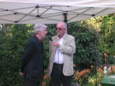 Werner Fenz, Vorstand des Instituts für Kunst im öffentlichen Raum und des Grazer Künstlerhauses, mit Moderator Peter Wolf, ORF Steiermark