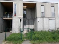 Die neuen Häuser nach Plänen von Arch. DI Hubert Rieß sind Holz-Modul-Niedrigenergiebauten.