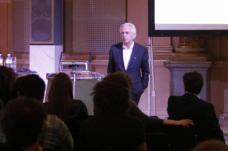 Dietmar Eberle, Professor für Entwerfen an der ETH Zürich, führt mit Carlo Baumschlager ein Architekturbüro.