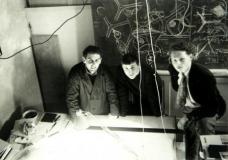 Architekturwettbewerb 1957: Raimund Abraham, Fritz Gartler (Friedrich St.Florian), Eugen Gross (v. li)