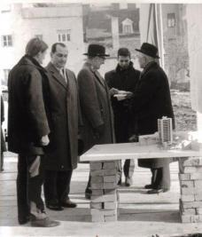 Grundsteinlegung für das Studentenwohnheim am Hafnerriegel (18.01.1961). Fotos: Archiv Werkgruppe Graz