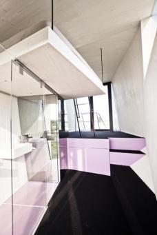 Hypercubus, Mobiles Hotelzimmer für 2 Personen Planung: WG3, Graz. Im Rahmen des Designmonats Graz wird der Hypercubus von 09.05. bis 06.06. auf Mariahilferplatz in Graz 1:1 ausgestellt.