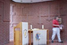 Evangelische Lukas Kapelle, Andachtsraum. Foto: S. Baumann-Cox