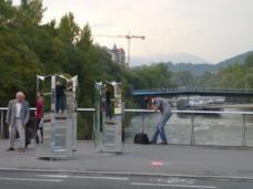 Ivana Milev: Complex, vorher, Hauptbrücke
