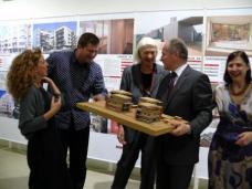 Ausstellungseröffnung im HDA Graz, am 23. September 2009. v.l.: Jasmin Leb-Idris, Robert Temel, Karin Wallmüller, Landesrat Johann Seitinger, Elisabeth Anderl