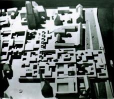 Abb. 3: Candilis, Josic, Woods, Wettbewerb Frankfurt-Römerberg, 1963
