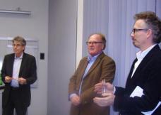DI Walter Raiger (KAGes Management; li) und DI Michael Pansinger (Leiter der techn. Abteilung der KAGes; re) bei der Präsentation des Wettbewerbergebnisses am 29.11.2010.