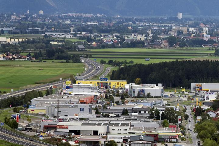 Fohnsdorf_Einkaufszentrum_Bauer