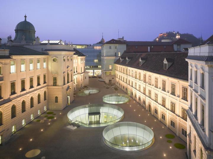 Graz_Platz_Joanneumsviertel