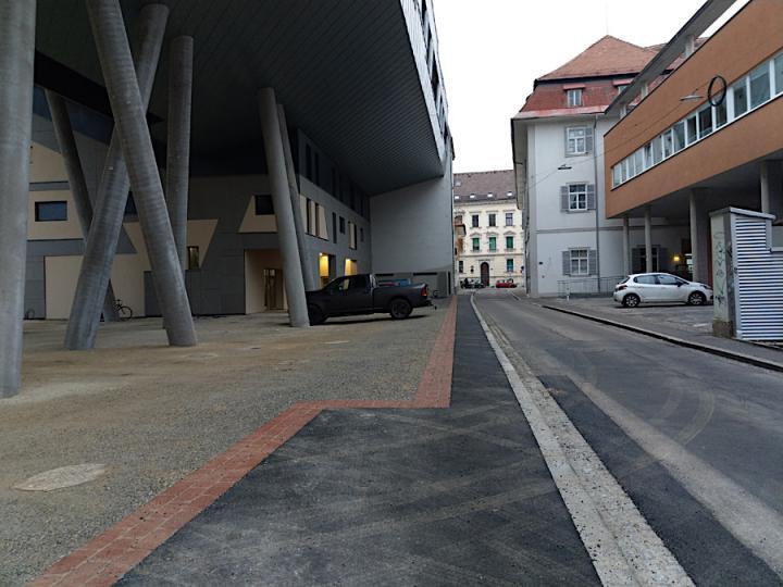 bild_1_neuer_gehsteig_grenadiergasse_14.jpg