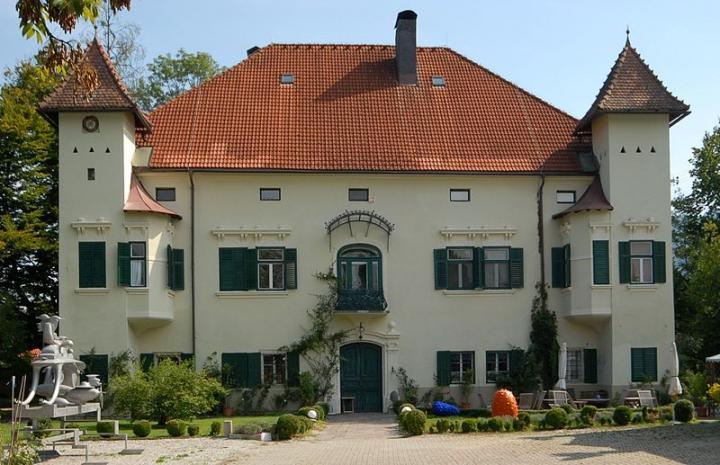 weizelsdorf_schloss_ebenau_14092006_01.jpg