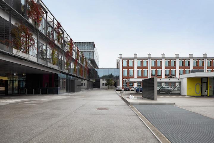 froniusplatz_1_web.jpg