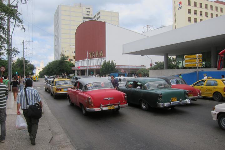 sonntag 350_kubanische Moderne_1844