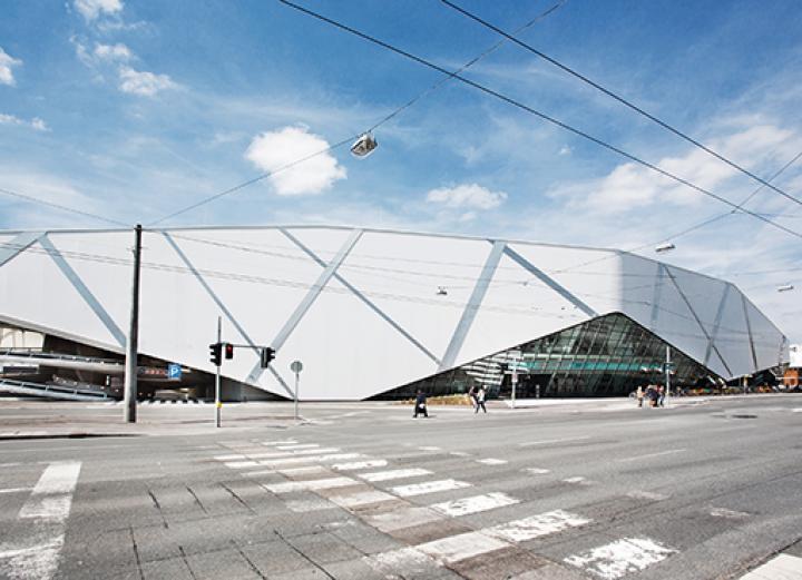 LOVE architecture_Shoppingcenter Arena