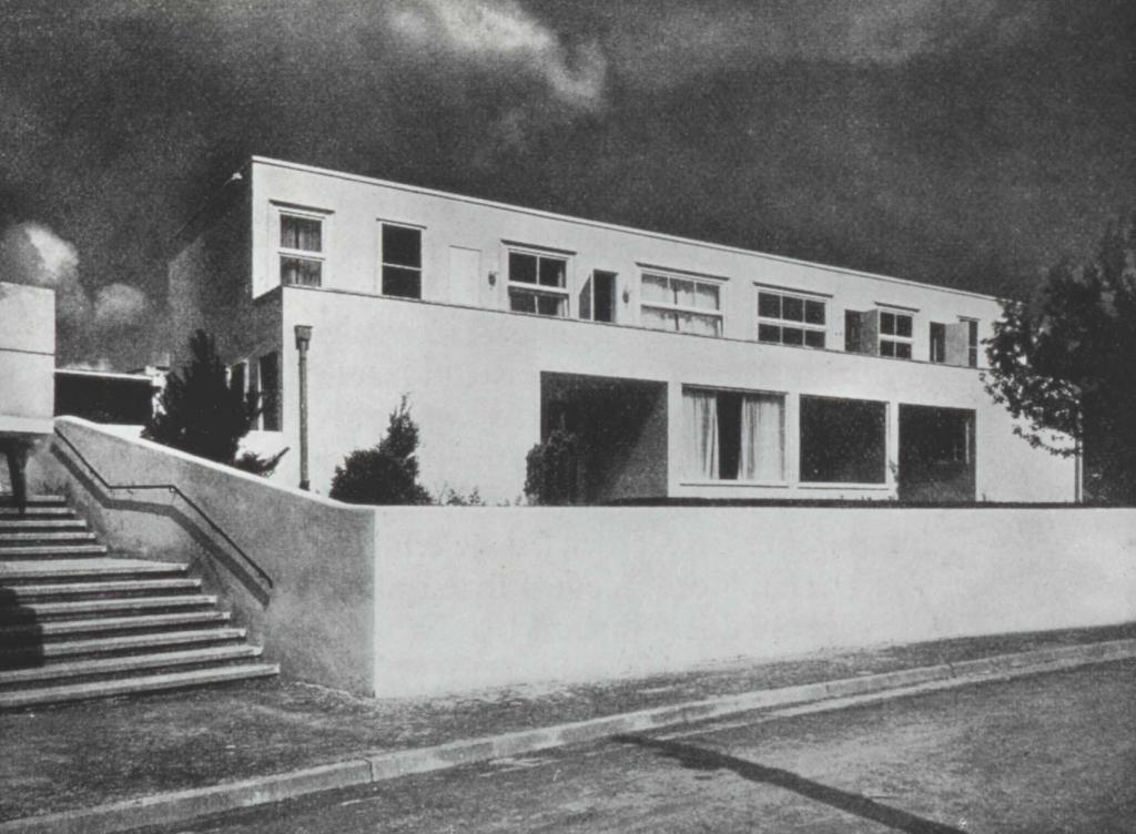 Mak personale josef frank against design for Villas weissenhofsiedlung