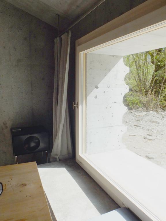 Zeitgem es low tech - Fensterrahmen innen ...