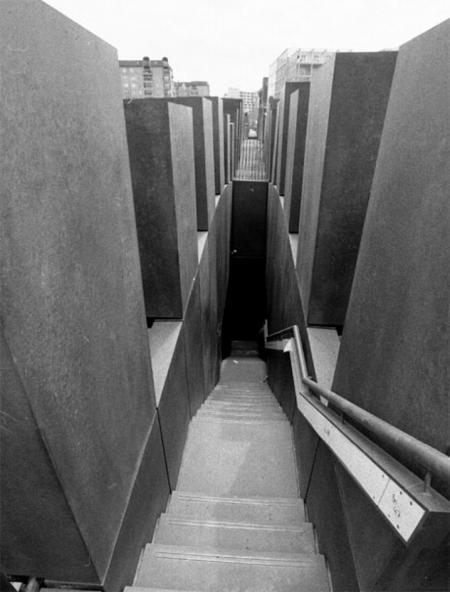 er ffnung des holocaust denkmals in berlin. Black Bedroom Furniture Sets. Home Design Ideas
